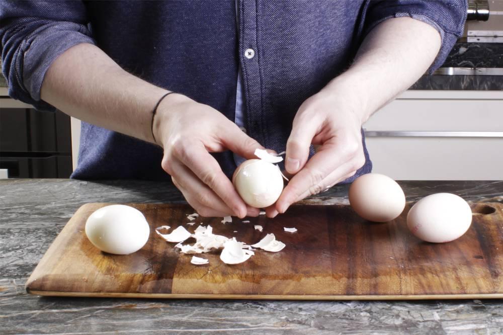 Eier schälen