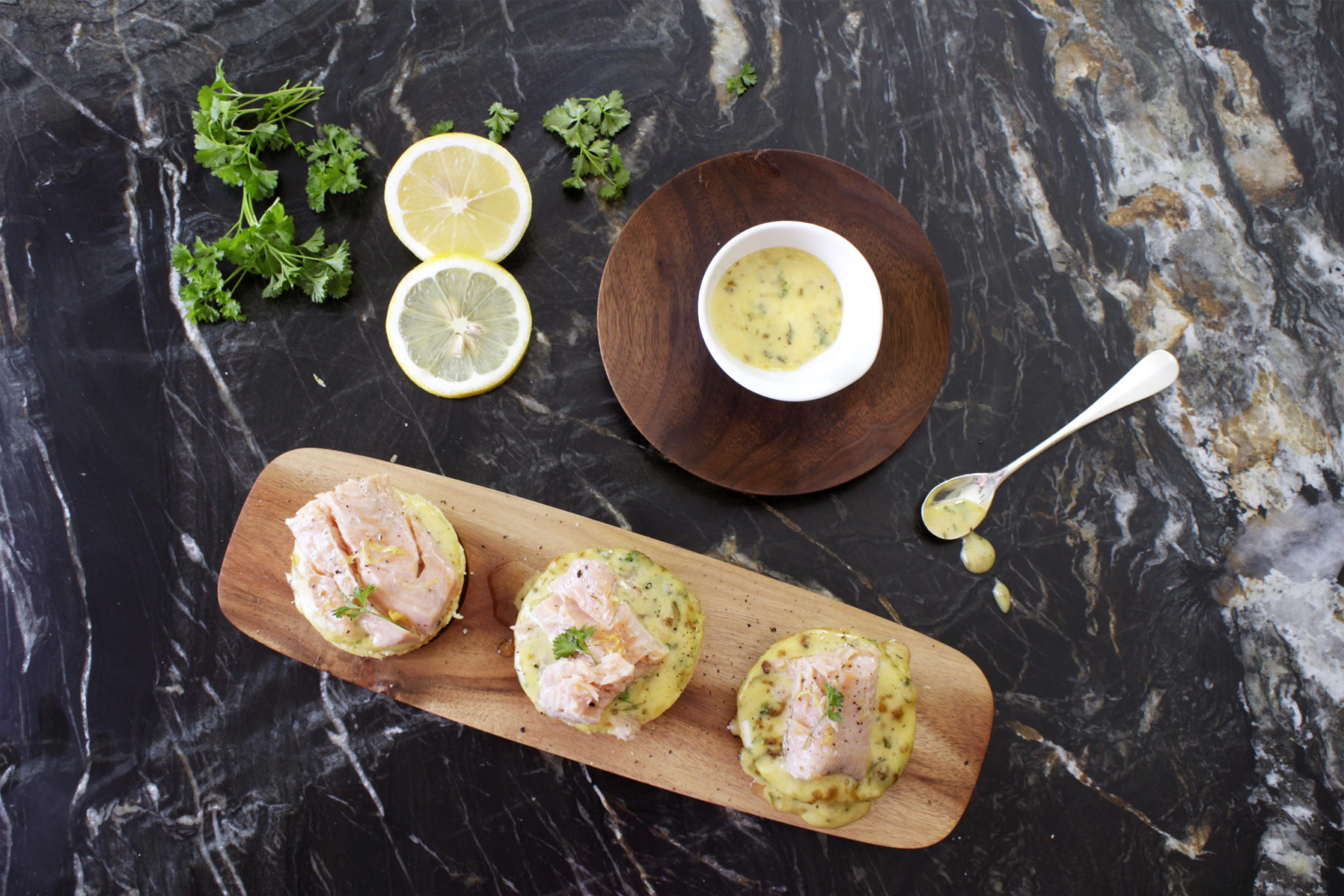 Zitronen-Brioche mit Fisch