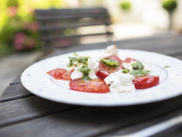 Tomaten-Burrata-Salat
