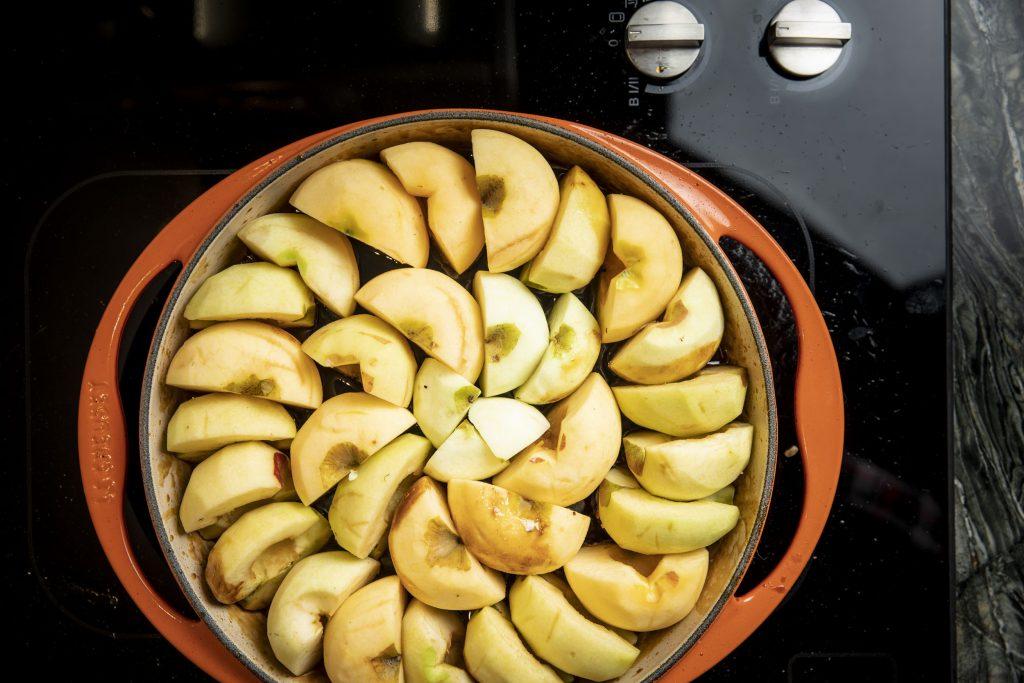 Aepfel kochen | Foto (c) Julian Kutos
